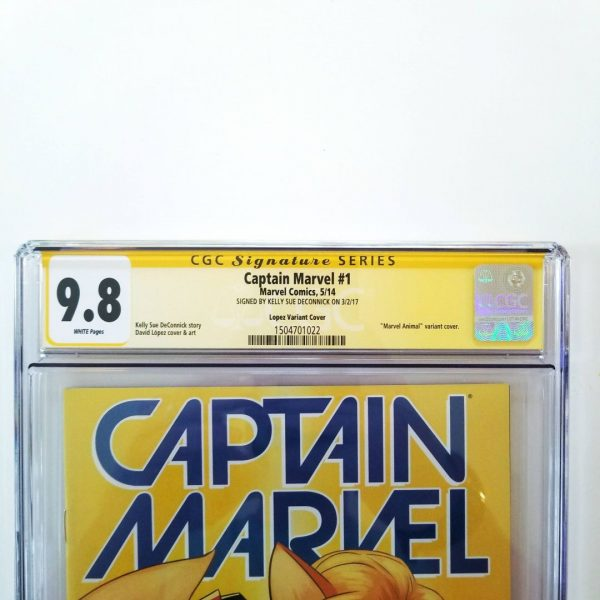 Captain Marvel #1 CGC 9.8 Animal Variant Signature Series Kelly Sue DeConnick Front Label
